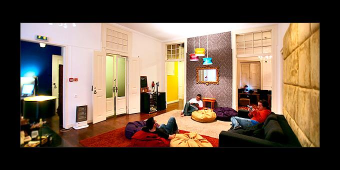 TOP 10 HOSTELS - 600